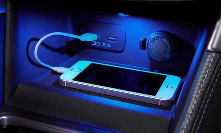 フォレスター センタートレイ&USB電源(2ヶ)