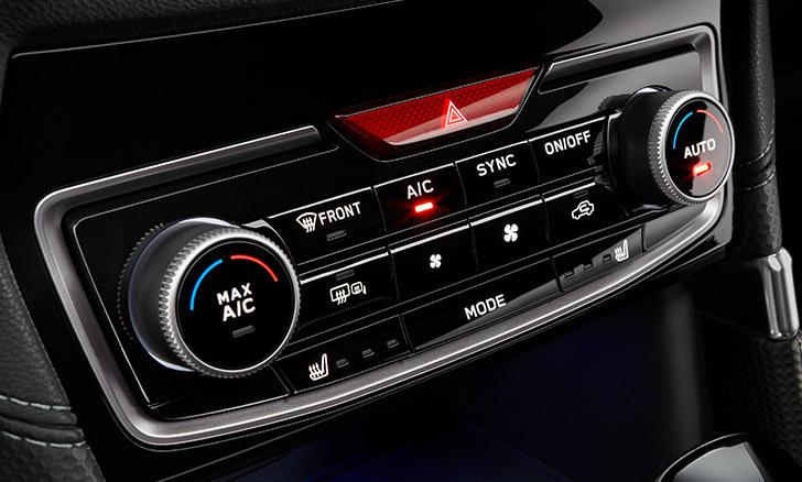 フォレスター 左右独立温度調整機能付フルオートエアコン