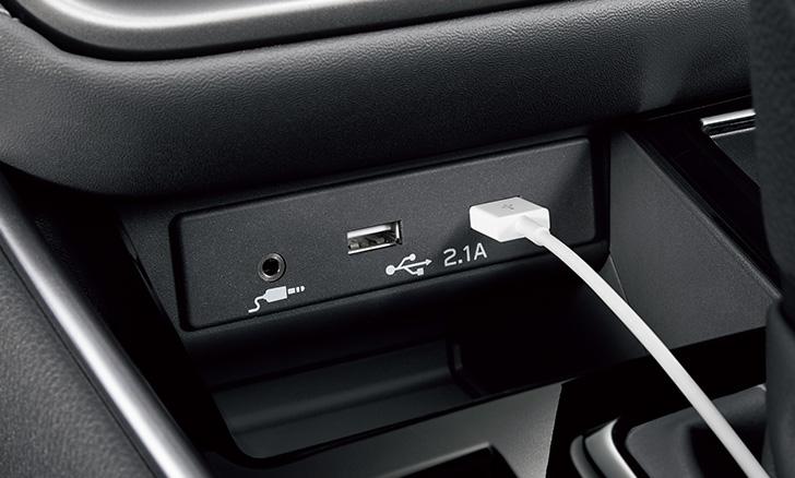 レガシィ アウトバック USB電源(2ヶ)&後席USB電源(2ヶ)